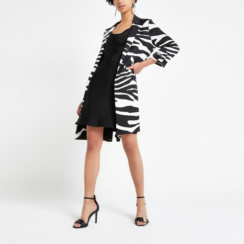 RIVER ISLAND Black zebra print longline blazer – animal stripes – printed jackets