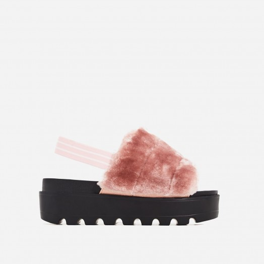 EGO Kenzie Chunky Sole Sandal In Pink Faux Fur – fluffy luxe style flatforms