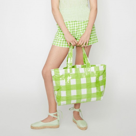 WAREHOUSE X SHRIMPS GINGHAM VINYL SHOPPER in bright green / checked summer bags