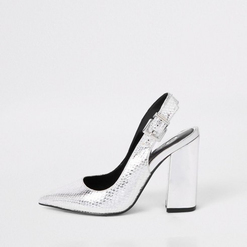 RIVER ISLAND Silver block heel sling back court shoes – metallic party slingbacks