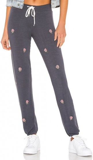 MONROW Vintage All Over Rose Embroidery Sweats – pretty floral sweat pants