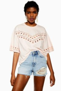 TOPSHOP Broderie Boxy T-Shirt in Pink – loose fit tee