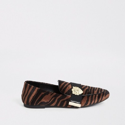 RIVER ISLAND Brown velvet tiger print loafers ~ pointed animal print flats - flipped