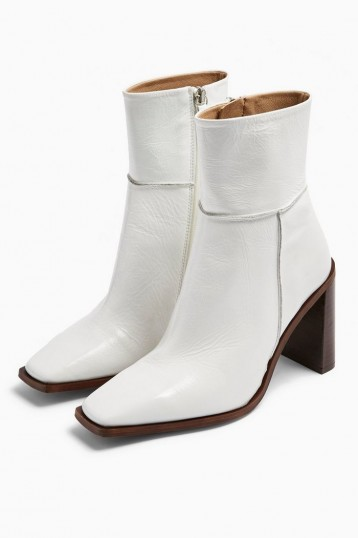 TOPSHOP HERO White Boots – square toe ankle boots