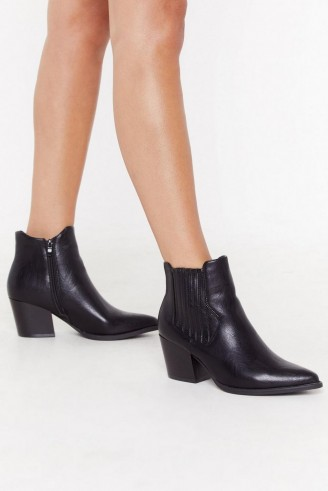 NASTY GAL Journey to the Western Chelsea Boots Black