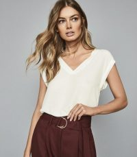 REISS LEXI WOVEN FRONT V-NECK T-SHIRT IVORY ~ stylish wardrobe essentials