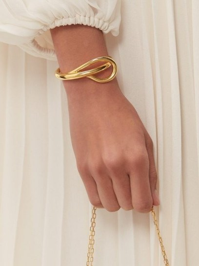 CHARLOTTE CHESNAIS Needle twisted 18kt-gold bracelet ~ contemporary sculptural jewellery - flipped