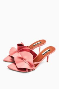 TOPSHOP RUFFLE Pink V Point Mules