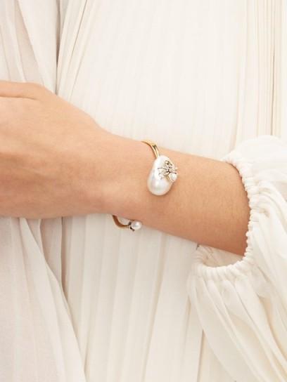ALEXANDER MCQUEEN Spider-embellished baroque-pearl open bracelet