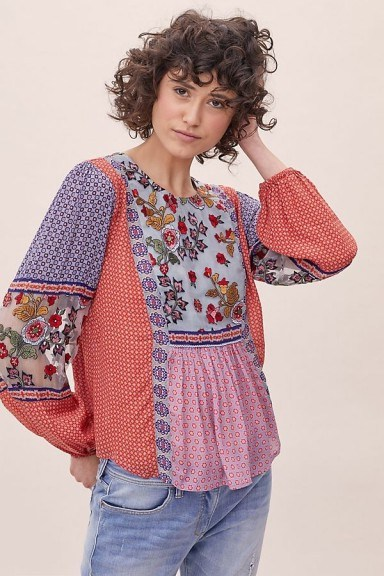ANTHROPOLOGIE Elisabeth Embroidered-Peasant Blouse Red Motif - flipped