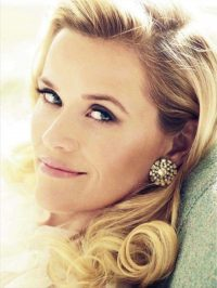 Reese Witherspoon's glamorous Hollywood waves – celebrity hairstyles