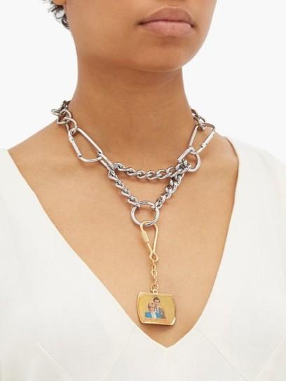 CHOPOVA LOWENA Royal Wedding chain necklace – large silver tone pendant necklaces
