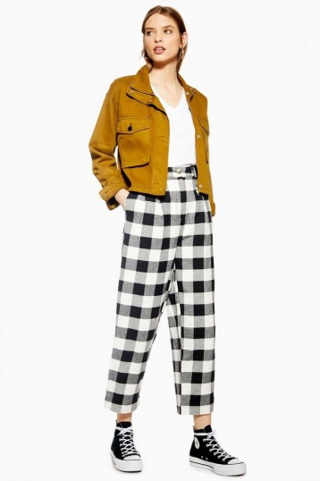 TOPSHOP Black And White Gingham Tapered Trousers / monochrome crop leg pants