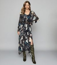 REISS CARINA FLORAL PRINTED MAXI DRESS NAVY / asymmetric dresses