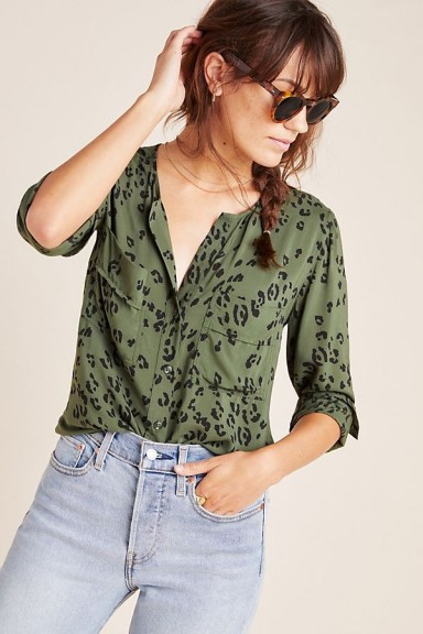 Cloth & Stone Blakely Buttondown in Green Motif / casual collarless shirt