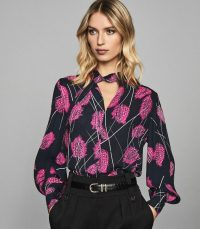 REISS LILY FEATHER PRINTED BLOUSE PINK