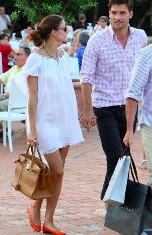 Olivia Palermo's effortless summer style…floaty white shift dress and bright red ballet flats.
