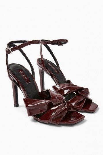 TOPSHOP RUMBA Patent Sandals in Burgundy / glossy heels - flipped