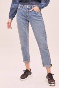 Anthropologie Tape-Side Slim Boyfriend Jeans in Denim Light