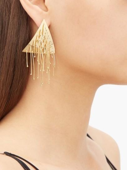 JIL SANDER Triangular drop earrings / tasseled triangles