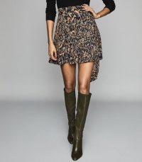 REISS YVETTE FEATHER PRINTED MINI SKIRT NAVY ~ tie waist flippy skirts