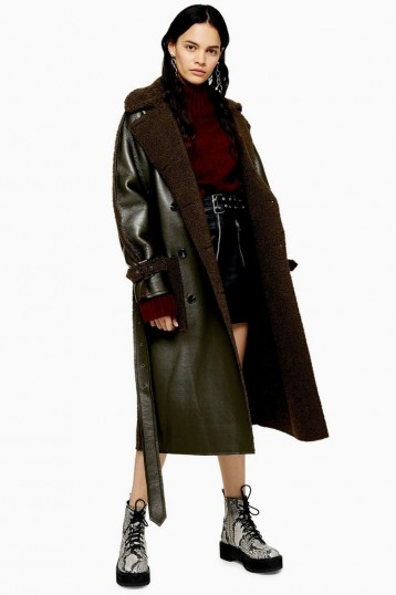 TOPSHOP IDOL Reversible Borg Coat in Khaki / dark-green belted winter coats