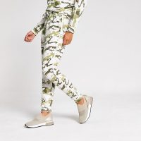 RIVER ISLAND Pink camo diamante side joggers / sports luxe jogger