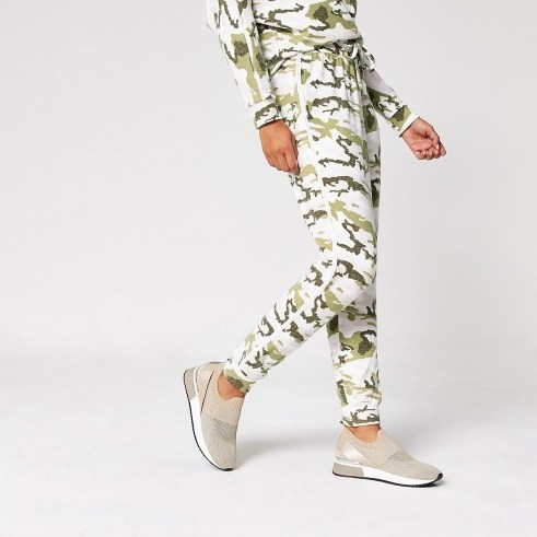 RIVER ISLAND Pink camo diamante side joggers / sports luxe jogger - flipped