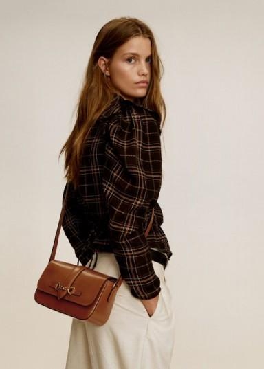 MANGO Stirrup leather bag medium brown – REF. 57015932-RAQUEL-LM