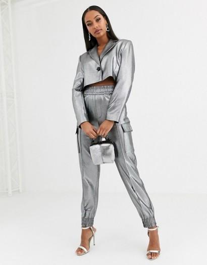 ASOS DESIGN metallic utility suit silver – shiny pant suits