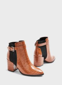 MISS SELFRIDGE BALLET Pointed Chelsea Boots in Tan