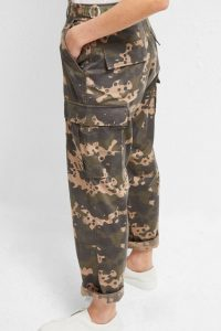 French Connection CARRI CAMO CARGO TROUSERS ~ casual pants