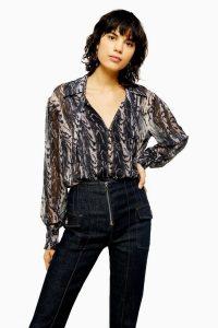 TOPSHOP IDOL Grey Snake Wavy Plunge Blouse / tie neck blouses