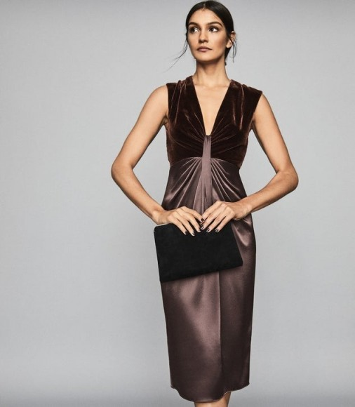 Reiss LIVVY PLUNGE NECKLINE MIDI DRESS BERRY – luxury style evening dresses – cocktail hour