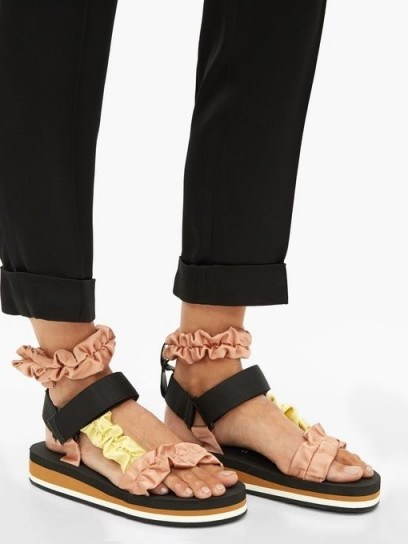 MIDNIGHT 00 Ruched satin and foam sandals in black with pink and yellow straps - flipped