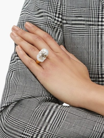 ALEXANDER MCQUEEN Spider Baroque-pearl ring / large natural pearls - flipped