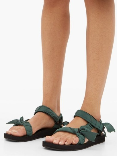 ARIZONA LOVE Trekky green satin-wrapped velcro-strap sandals / strappy flats