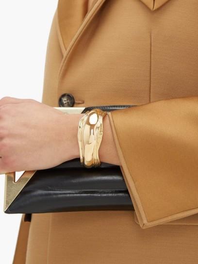 BOTTEGA VENETA Asymmetric grooved cuff ~ gold-tone brass cuffs
