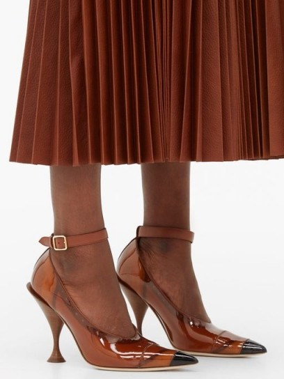 BURBERRY Evan PVC-coated leather pumps in brown - flipped