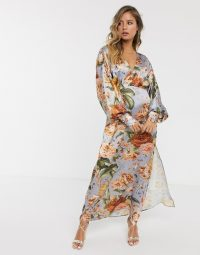 Hope & Ivy maxi tea dress in tapestry floral / thigh-high split dresses