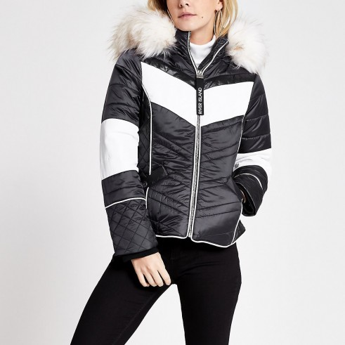 RIVER ISLAND Petite navy colour blocked padded jacket – blue faux fur trimmed winter jackets