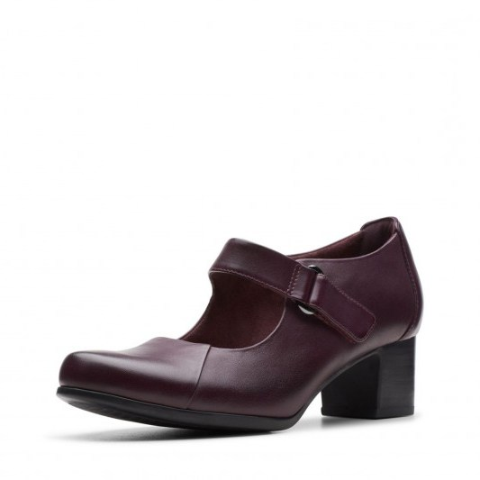 Clarks Un Damson Vibe in Aubergine leather / chunky Mary Janes - flipped