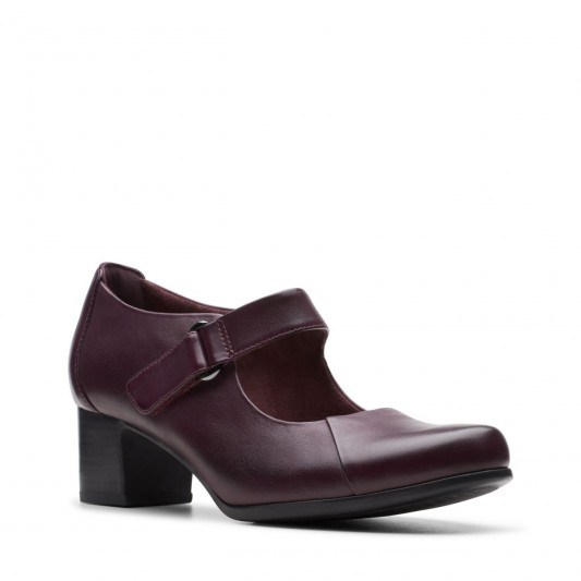 Clarks Un Damson Vibe in Aubergine leather / chunky Mary Janes
