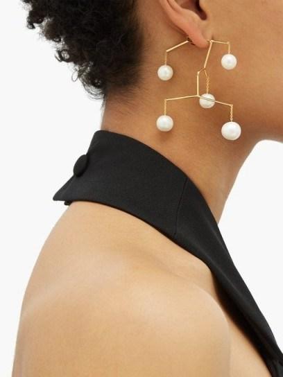 ANISSA KERMICHE X Regina Pyo Kinetic Perle drop earrings - flipped