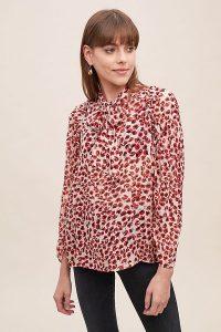 MUNTHE Jadyn Leopard-Print Blouse in Red Motif / neck tie blouses