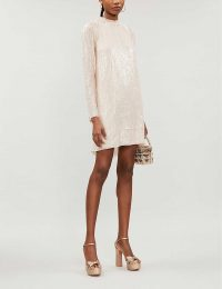 NEEDLE AND THREAD Low-back sequinned dress in pearl rose / eveing glamour