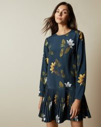 Ted Baker DANEES Savanna long sleeved tunic in Dark Blue – drop waist floral print dresses