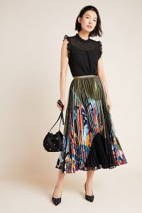 Behati Lace-Trimmed Pleated-Printed Skirt in Green Motif