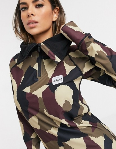 Eivy Icecold Hood Top base layer in wine camo