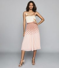REISS ELSA PRINTED KNIFE-PLEAT MIDI SKIRT PEACH ~ pretty pleats